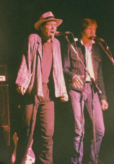 Greenbelt1986-Andy Pratt-backing-singers-by-DC-Cardwell-1